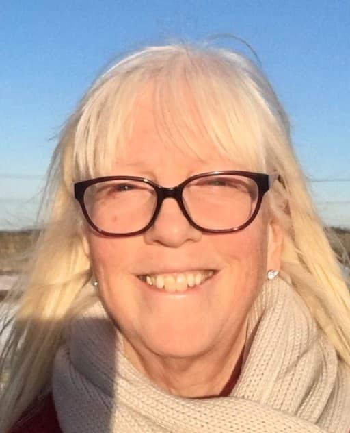 Mrs Nicola Wilson